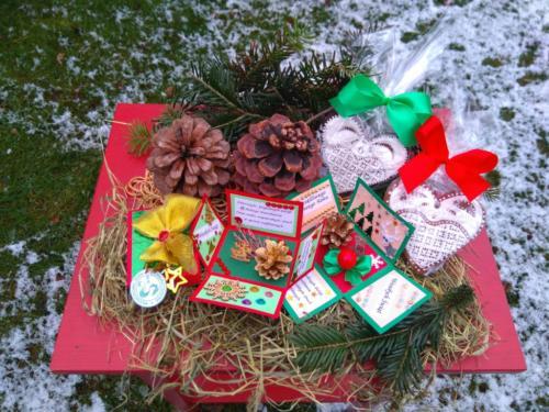 Z okazji Świąt Bożego Narodzenia Stowarzyszenie Nasz Smogorzów przygotowało drobne upominki dla najstarszych mieszkańców wsi.